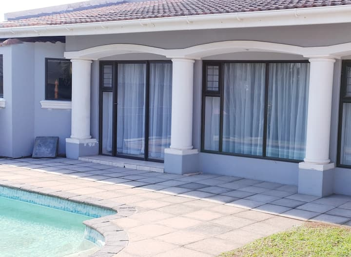 Luxury Guesthouse no.3 w Pool 1 QBed 2min to beach