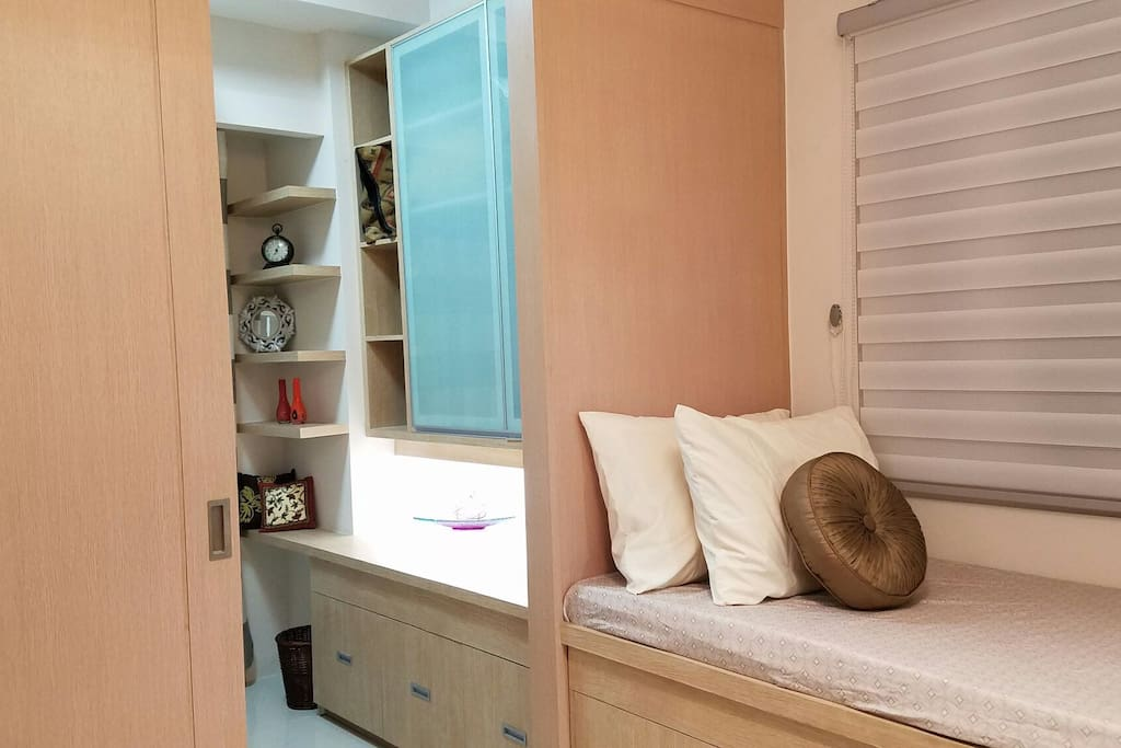 Hefty storage space all around to keep you comfortable during your stay