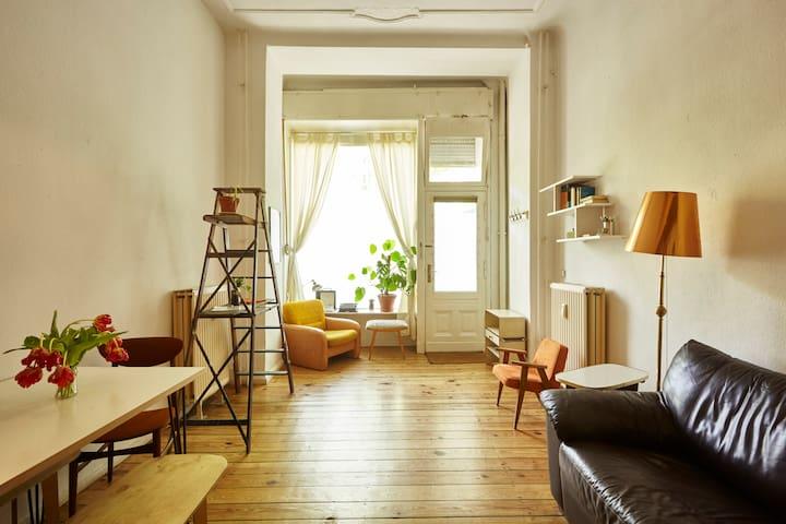 Cosy & Elegant Two Room near Tempelhofer Feld