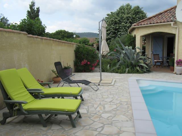 Chambre privée  villa provençale