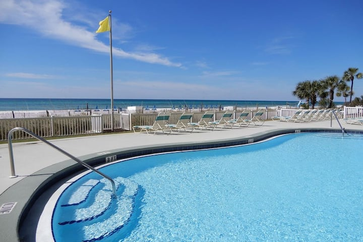 Waterfront condo w/ a shared pool, hot tub, fitness room, & furnished balcony