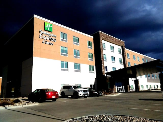 Holiday Inn Express & Suites Marshalltown