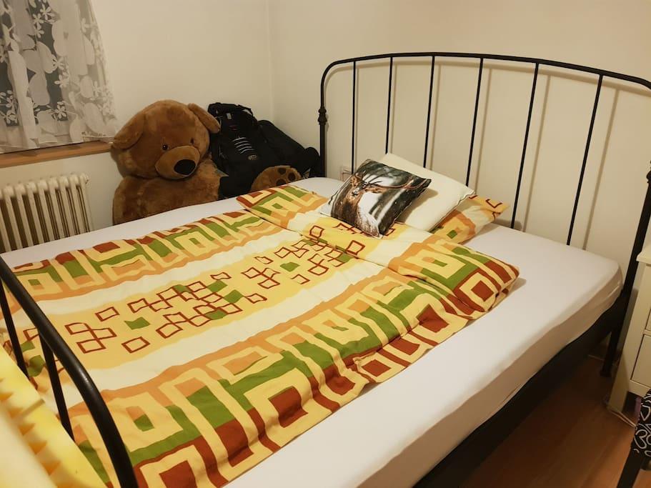 Schlafzimmer 1 - Eve Matratze, Bett 180/200