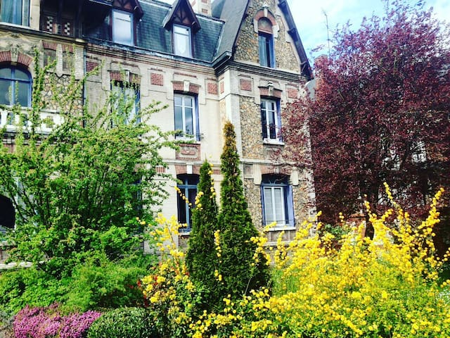 Charming duplex I 60 m2 I 200m from Train station - Rouen - Apartemen