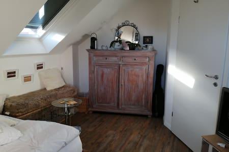 Schöne Zimmer mit Bad in der Toscana Deutschland.
