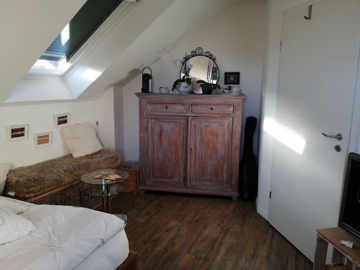 Schönes Zimmer mit Bad in der Toscana Deutschland.