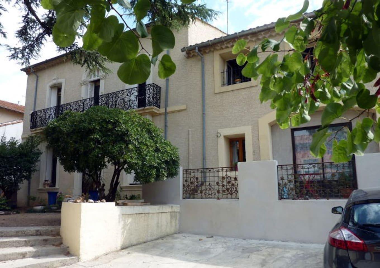 Front of Villa Roquette