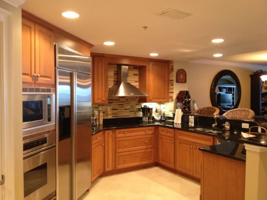 Gourmet Kitchen with everything you need (including basics for cooking and condiments, coffee, tea, etc.)