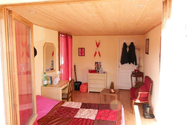 chambre chez l'habitant - Bellegarde - Bed & Breakfast