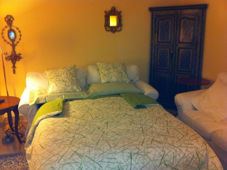 ...A detail, when your comfortable double bed-sofa is open....:-)