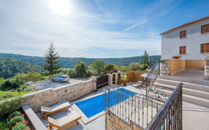 Villa Beram with heated pool