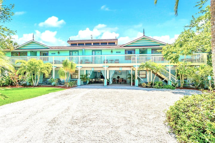 Eight Steps to path of #1 Beach on Siesta Key! - Old Man and the Sea Inn 8BR