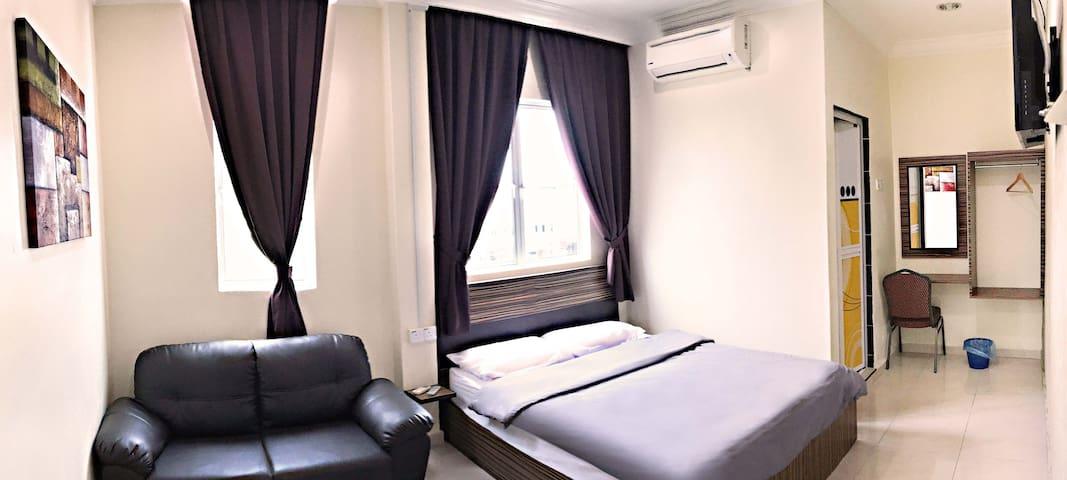 Premier Room @ Kwong Meng Hostel . INN