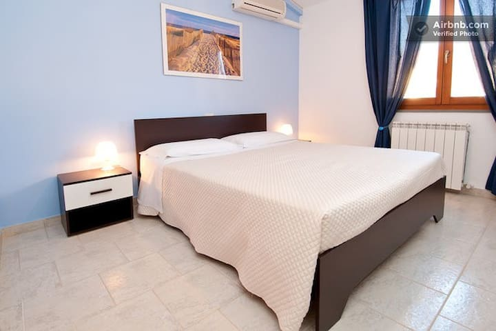 B&b Hibiscus Beach room Capoterra - La Maddalena - Bed & Breakfast