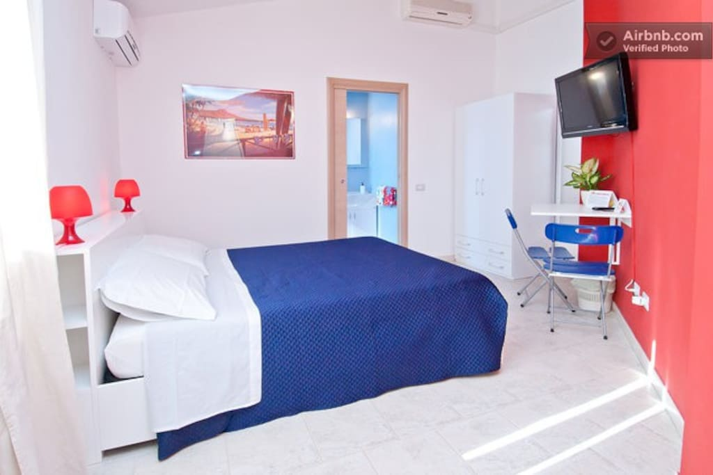 B b hibiscus aloha room capoterra chambres d 39 h tes for Chambre d hote sardaigne