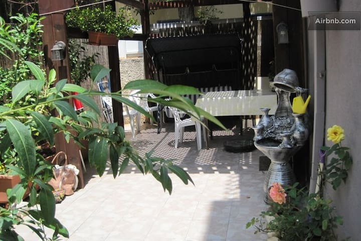2 ком. апартаменты на вилле у моря - Bat Yam - Villa