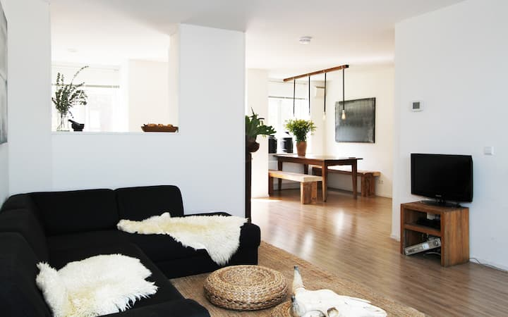 Spacious & Bright Apt. Westerpark!