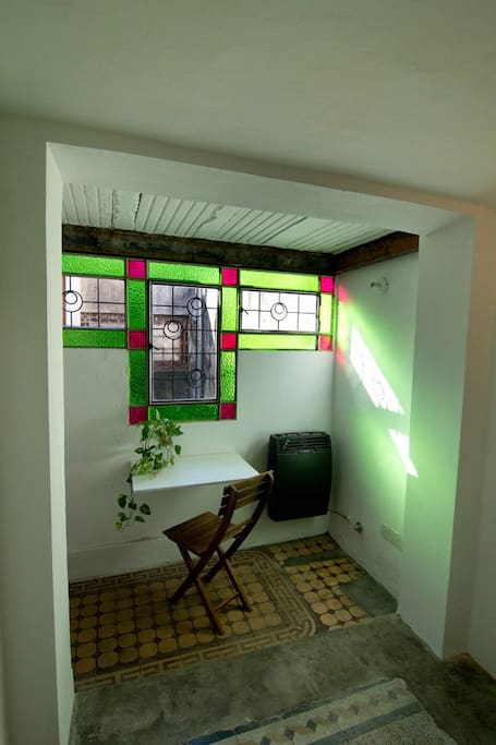 Foldable tabel & window that can be opend