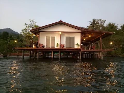 บ้านพักในทะเล