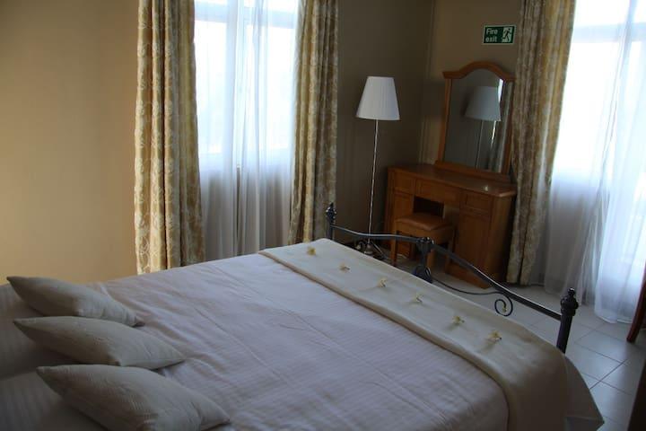 Apartment in Les Trois Fleurs