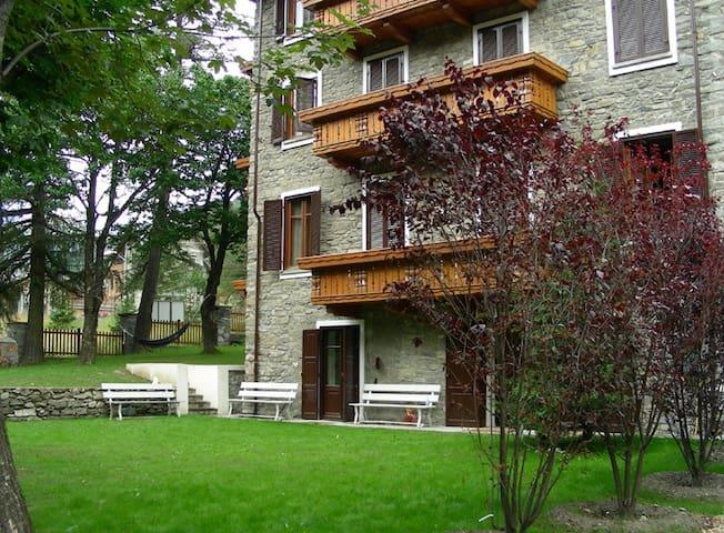 A Pragelato bel quadrilocale con giardino - Pragelato-ruà - Apartmen