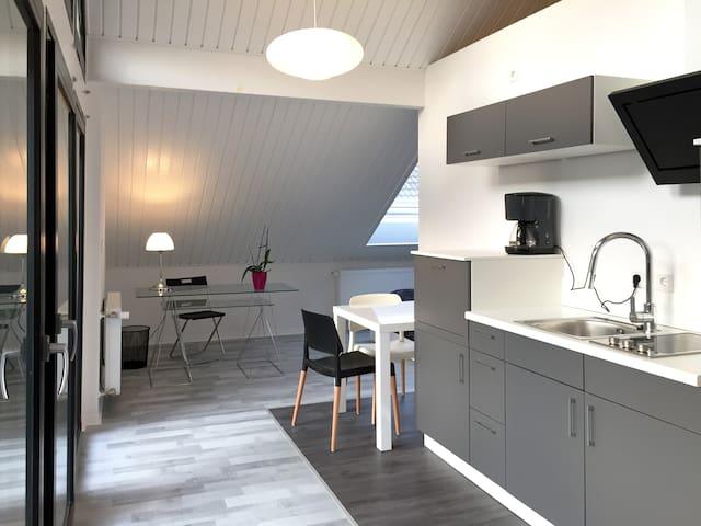 Moderne  Luxus- Studio- Wohnung in ruhiger Lage - Kempen