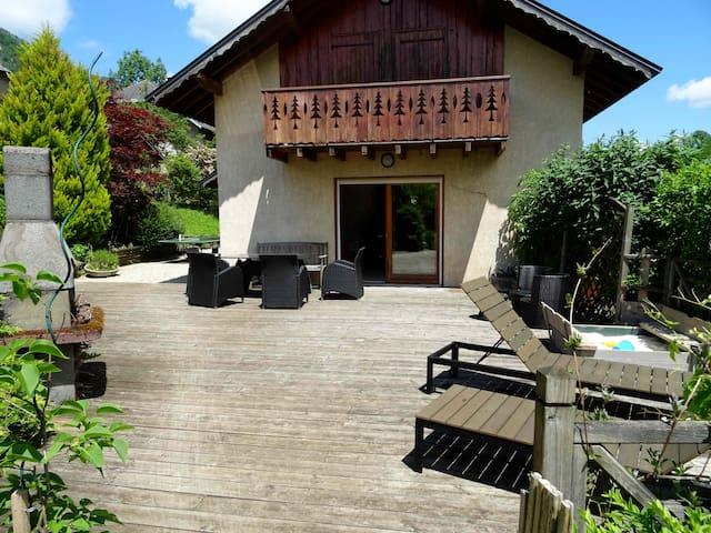 Belle maison au calme village proche de Chambery - Chambéry - Casa