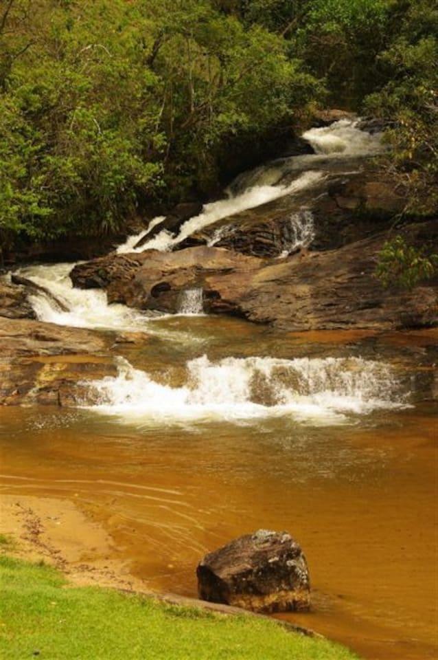 Cachoeirinha Waterfall, 15 mins., walking.