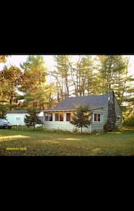 Cabin in the woods on schroon river - Warrensburg - Casa