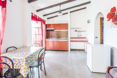Romantic apartment sea view-Nr - Cannigione - Talo