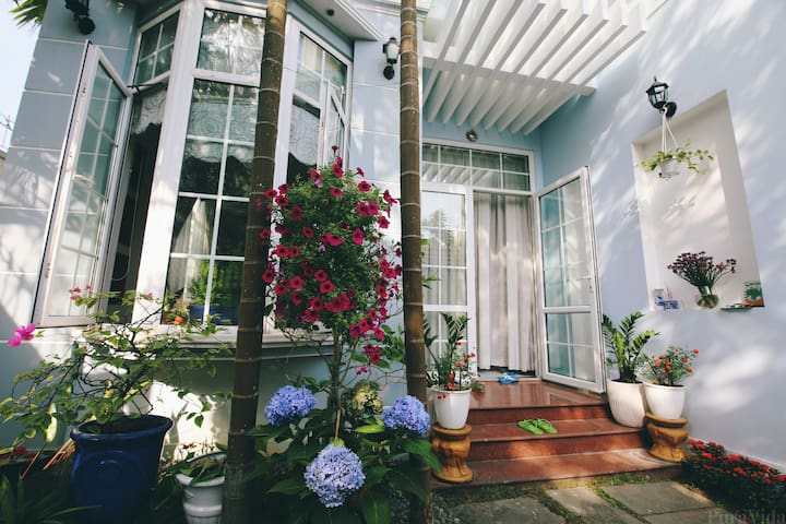Serene B&B 1km from the beach. A place called Home - Da Nang - House