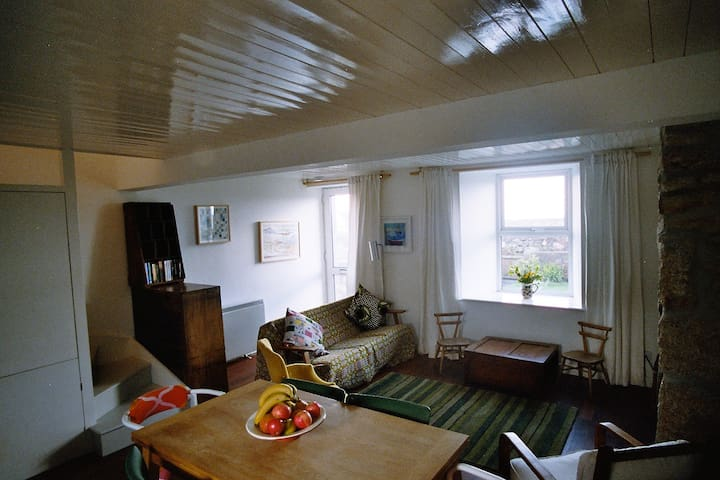 Stylish Cottage with sea views - Saint Just - House