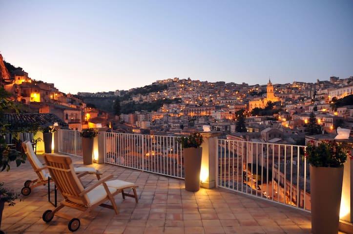 Le Terrazze di Ciarìa SUDEST LIVING - モディカ - 一軒家