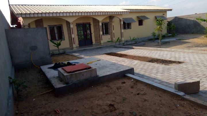 Location  100 m2 meublée à P/Noire