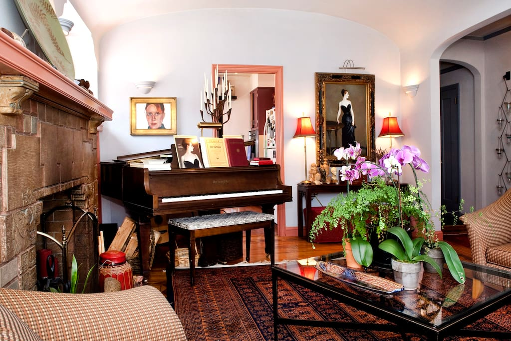 Enjoy relaxing in the living room and playing the piano.