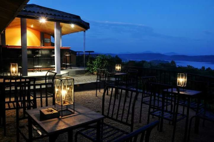Finest 3* Hotel with nice lake view - Polonnaruwa - Bed & Breakfast