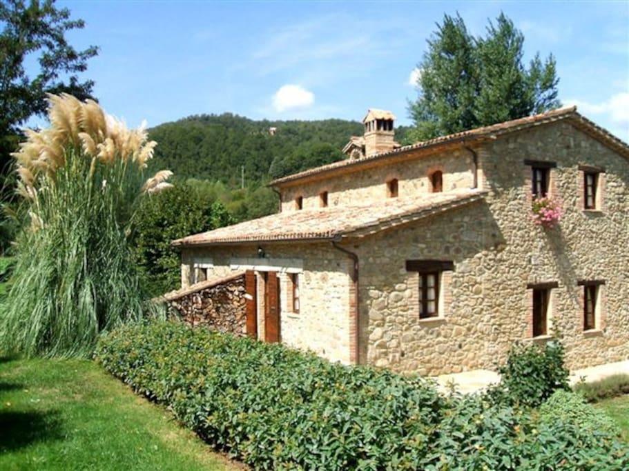Villa in Umbria with pool per 6 pl.