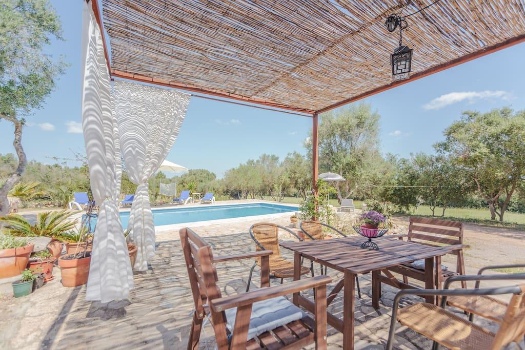Casa rural mallorquina con piscina for Casas con piscina mallorca