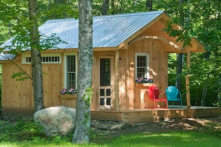 Custom cabin by the river in Newfane, VT