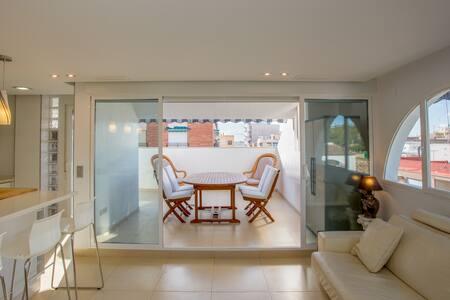 Magnifico apartamento 100m de la playa WIFI-A/A