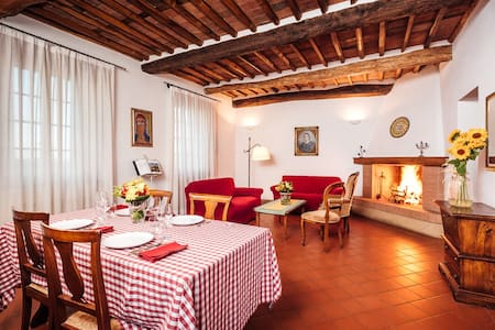 Antique Farmhouse Hills Lucca - Capannori - Leilighet