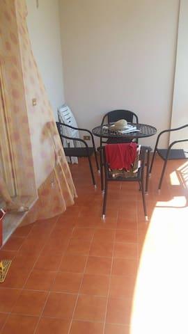 Appartamento a pochi metri dal mare - Botricello - Byt
