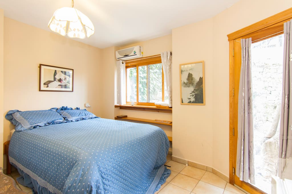 comfortable room with double bed. A/C and heating.