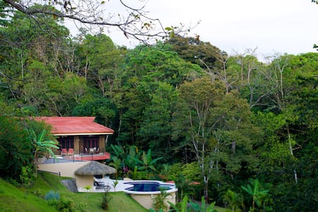 Brooks Hacienda - Manuel Antonio - House