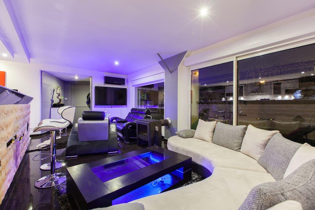 magnifique loft 100m2 jacuzzi calme lofts zur miete in bischheim elsass frankreich. Black Bedroom Furniture Sets. Home Design Ideas