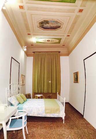 B&B Belle Arti frescoed room&breakfast