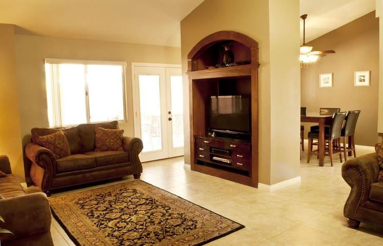 Mesquite 4 Bedroom Vacation Home w/ Golf Deals