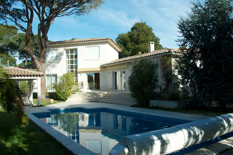 La villa, le jardin, la piscine