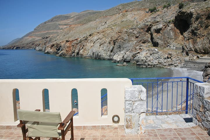 Self Catering Suite 1 in Sfakia  - Hora Sfakion - อพาร์ทเมนท์