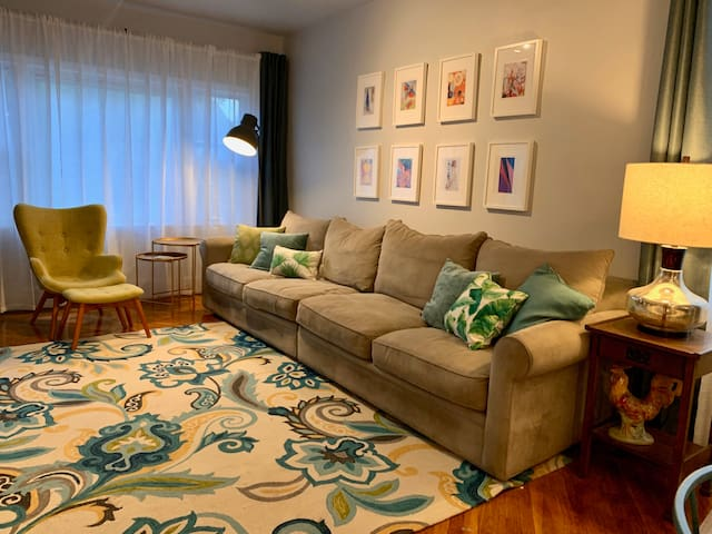 Maplewood 2BR Townhome.. NYC 30 Minutes, EWR 7 min